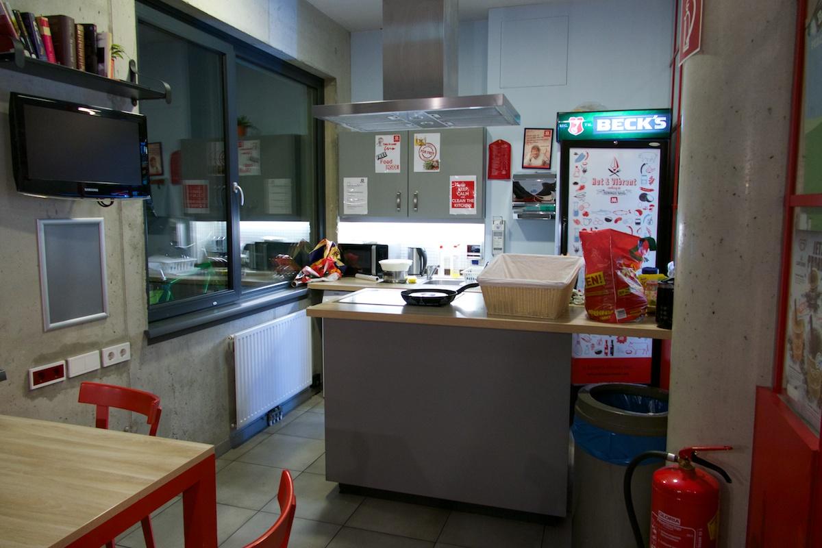 küche für alle im meininger downtown franz in wien