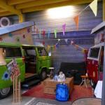 t3 und vw bus im basecamp bonn