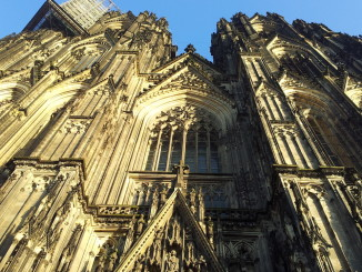 kölner dom in gold