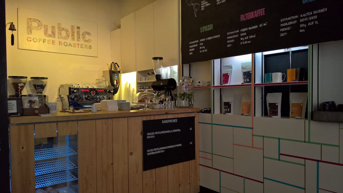 public coffee roasters in hamburg der tresen