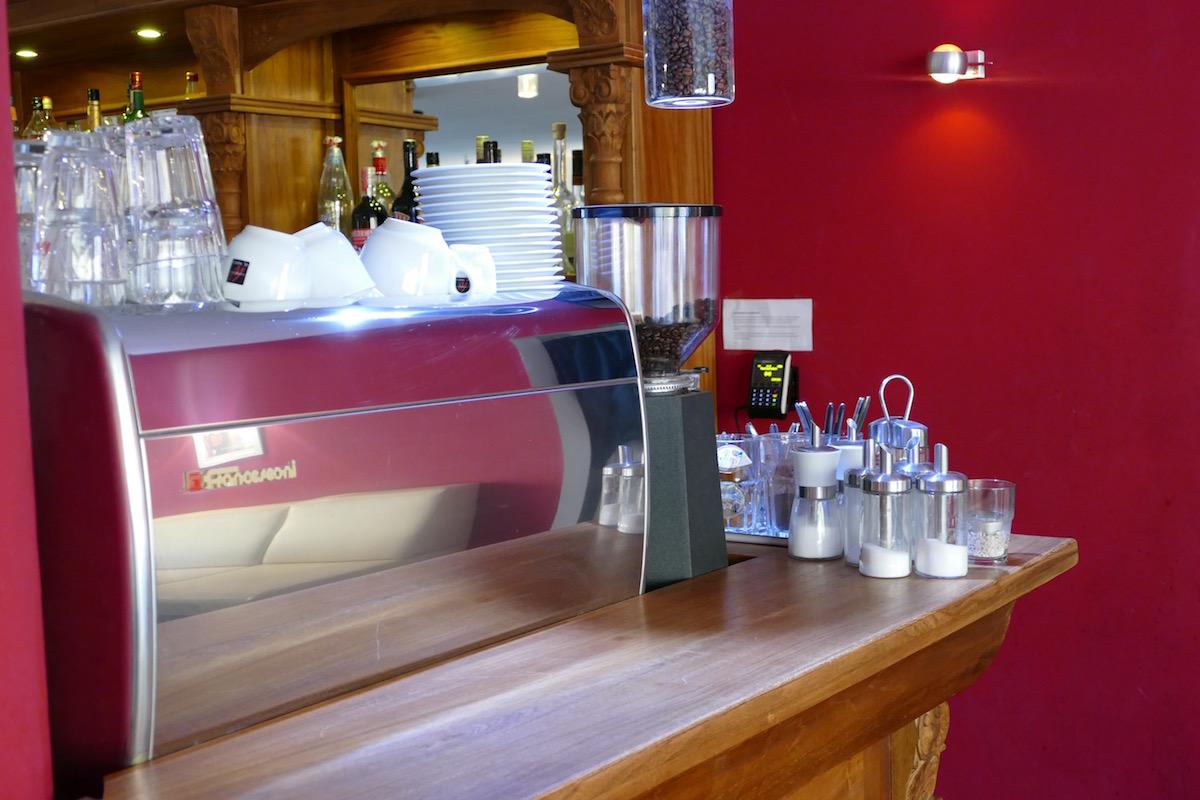 kaffeemaschine im station hostel köln