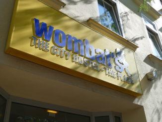 wombat hostel in wien eingang