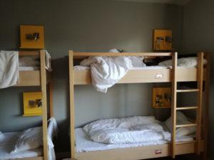 doppelstockbett im mehrbettzimmer des meininger london