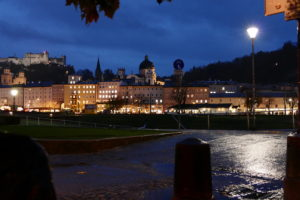 salzburg bei nacht fotografiert