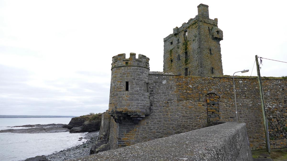 blick auf carrigaholt castle