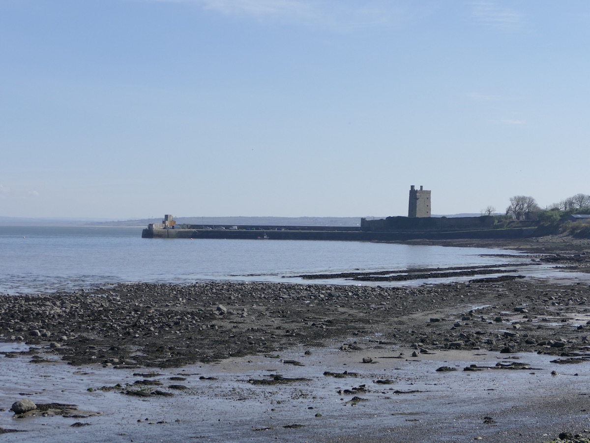 carrigaholt castle vom strand aus