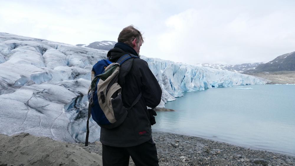 wandern auf dem gletscher austdalsbreen