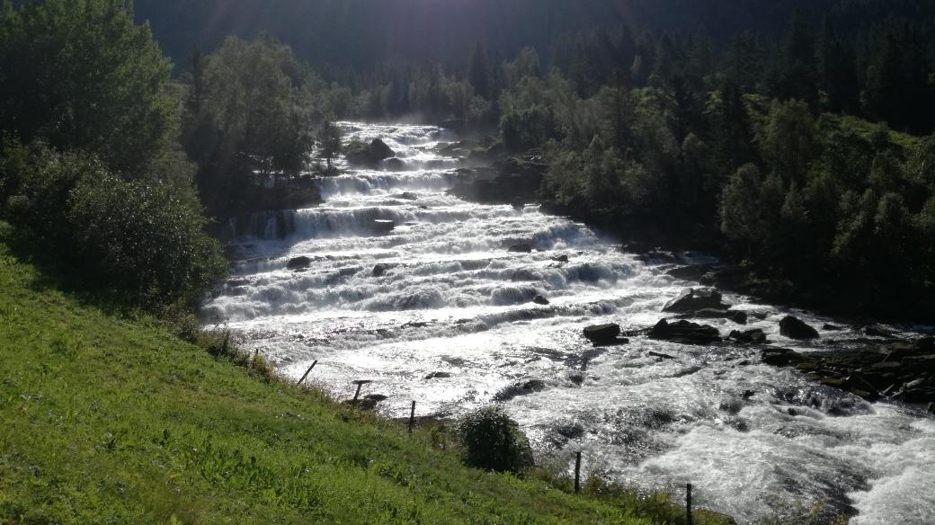 wasserfall nahe haukedalen
