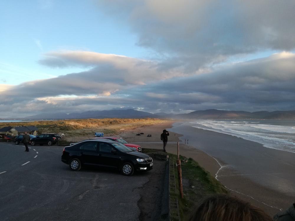 inch beach in irland zum sonnenuntergang